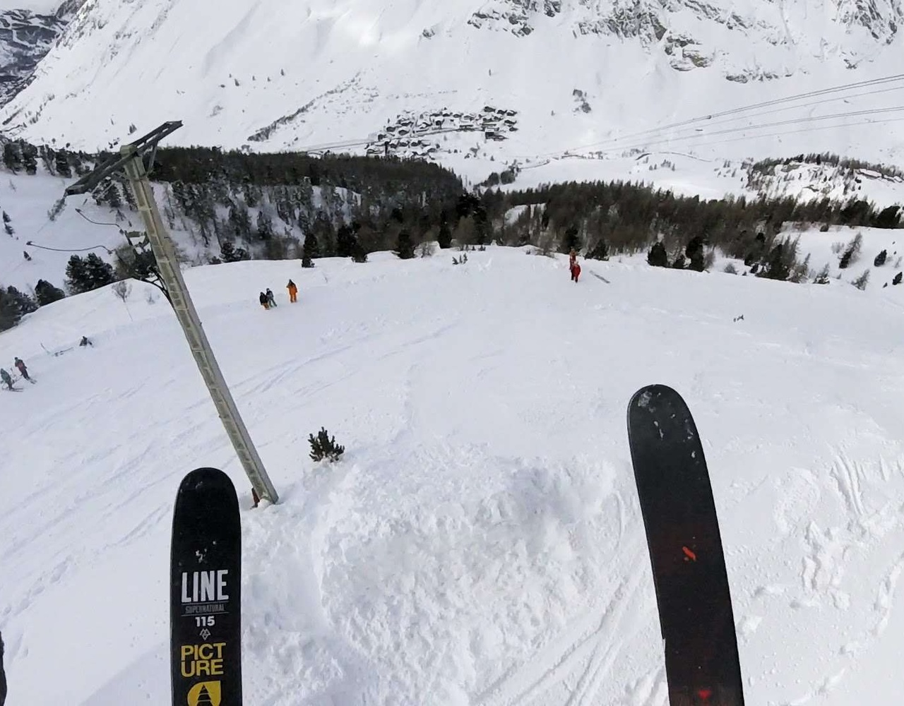 赢得法国滑雪大奖的 Leo Taillefer