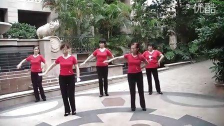 中老年广场舞荷塘月色