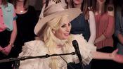 Lady Gaga英国现场动情献唱新单《Million Reasons》! 优美动听
