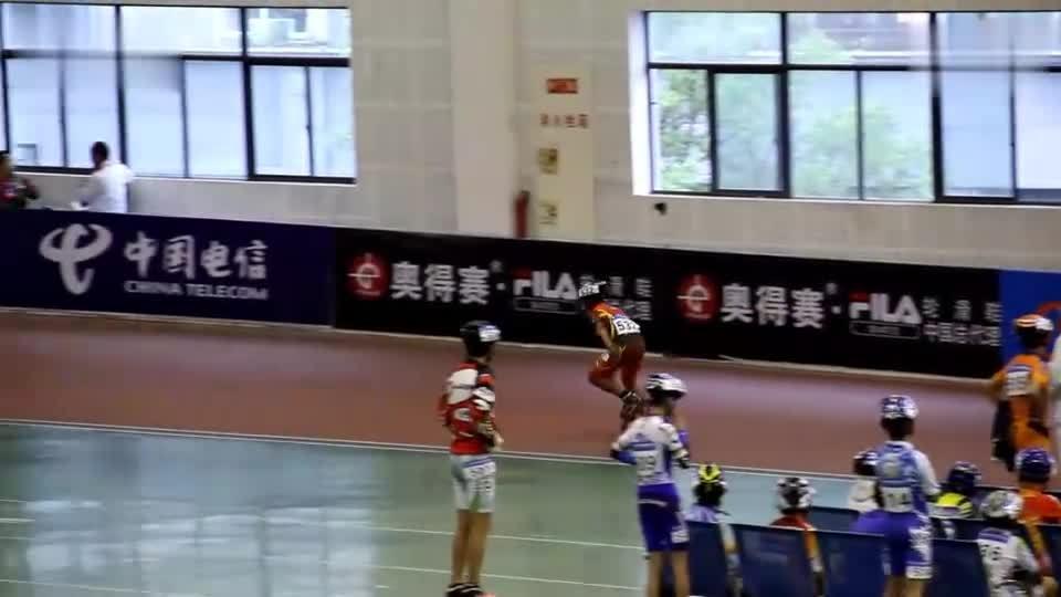2011海宁速度轮滑:少年男子乙组300米 532