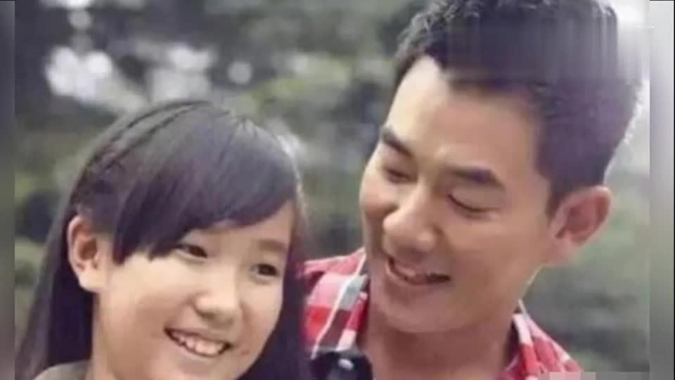 任贤齐为12岁女儿庆生 长发飘飘与父眉眼相像