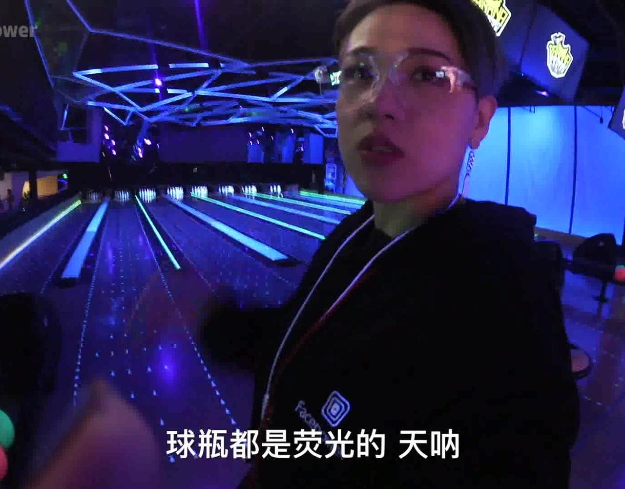 王思聪开了家京城最牛逼娱乐馆!娃娃机里都是几万元的限量Dior娃娃!