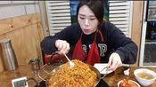 [韩国吃播][弗兰西斯卡]挑战15分钟吃4人份炒饭