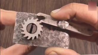 牛人发明的齿轮式绑扣工具,功能实用,绝对可以申请专利了