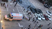 摩拜北京办公室一员工坠楼身亡 警方已介入调查-第一财经-第一财眼