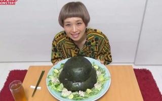 【日本大胃王】俄罗斯佐藤吃自制巨型寿司蛋糕(?)