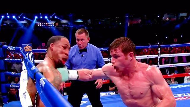 太惨烈!重拳杀手科克兰德激战阿瓦雷兹惨遭重拳打晕