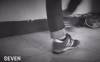 摩擦摩擦--这是太空之旅的脚步(Billie jeans)