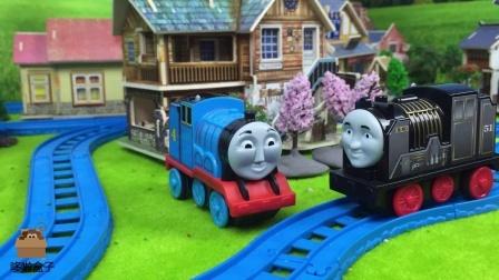 小火车遭遇彩泥怪物阻挡,西诺大胆挑衅高登解救