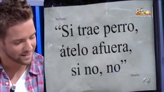 【西班牙】西班牙歌手Pablo Alborán即兴演唱街边告示 超级搞笑 【西班牙语无字幕】