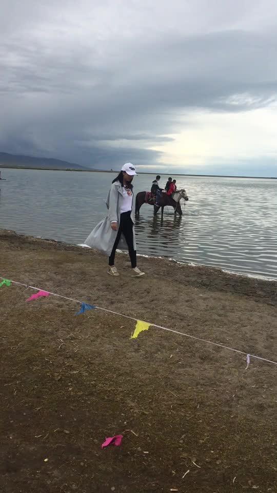 漫步青海湖....