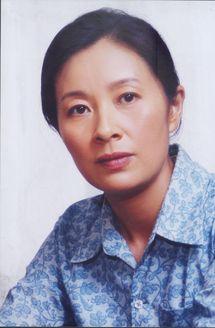 大山里的时尚女人(剧情片)