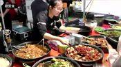 中食美食已经征服英国,麻婆豆腐街头用盆卖,很受老外欢迎