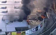 澳载5游客飞机撞商场后坠毁