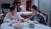 亲爱的味道:许大丽为了安慰津津,居然一起吃鸡!