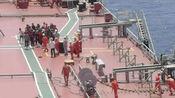救援画面曝光!在南沙海域遇险的海南渔船32名船员已全部获救