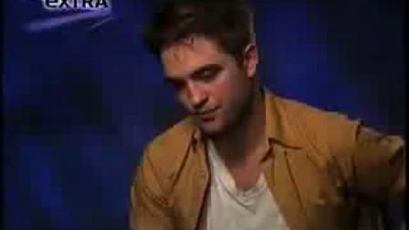 Extra TV Interview With Robert Pattinson