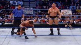 WWE早期布洛克莱斯纳VS兰迪奥顿