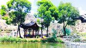 走进丽江观音峡风景区,欣赏整个景区的美丽风景。