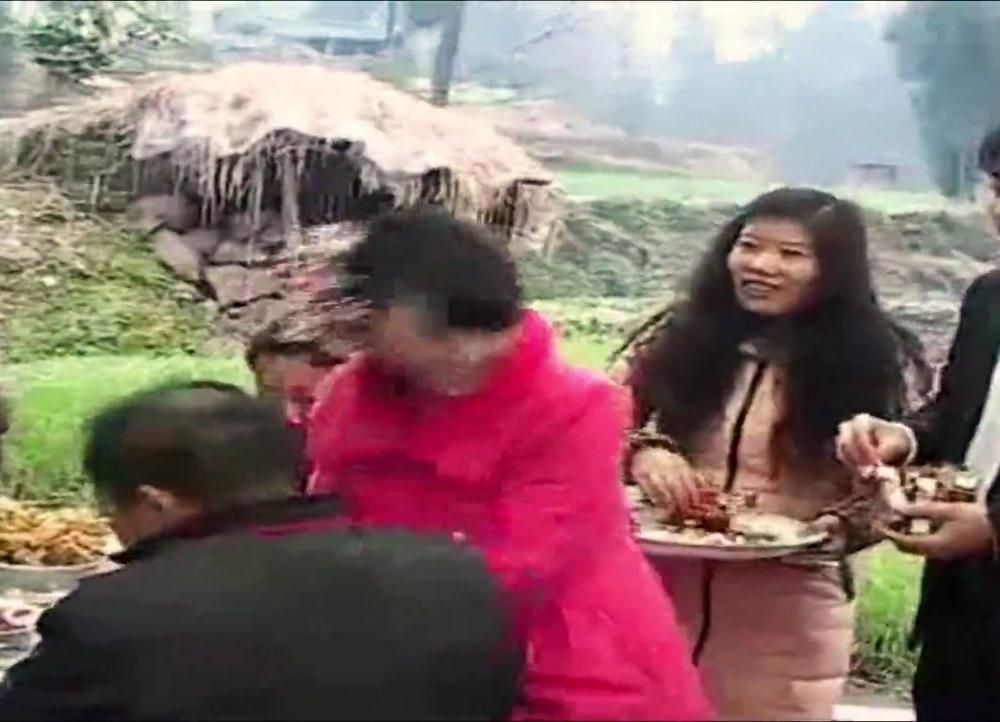 四川巴中南江农村结婚视频:新娘子的笑容真的很美!