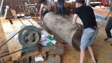 危险最大的木工车床锯链工作,至尊木工最大的木工车床工作