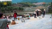 《向往的生活》王砚辉徐峥搭了一个艺术灶台,只把何老师看的乐死了