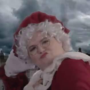圣诞老奶奶vs玛丽泼平斯