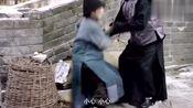 芝麻胡同:严振声本想接春花回家,却不想被日本人抓去当劳役了!