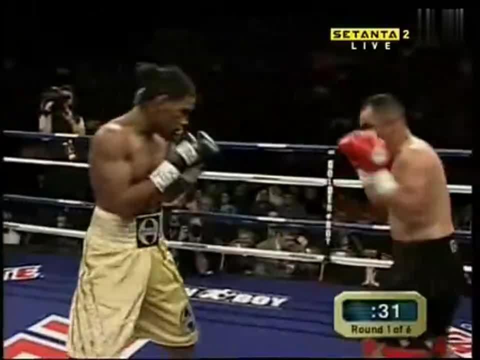 拳击赛事:雅各布斯VS何塞路易斯克鲁兹