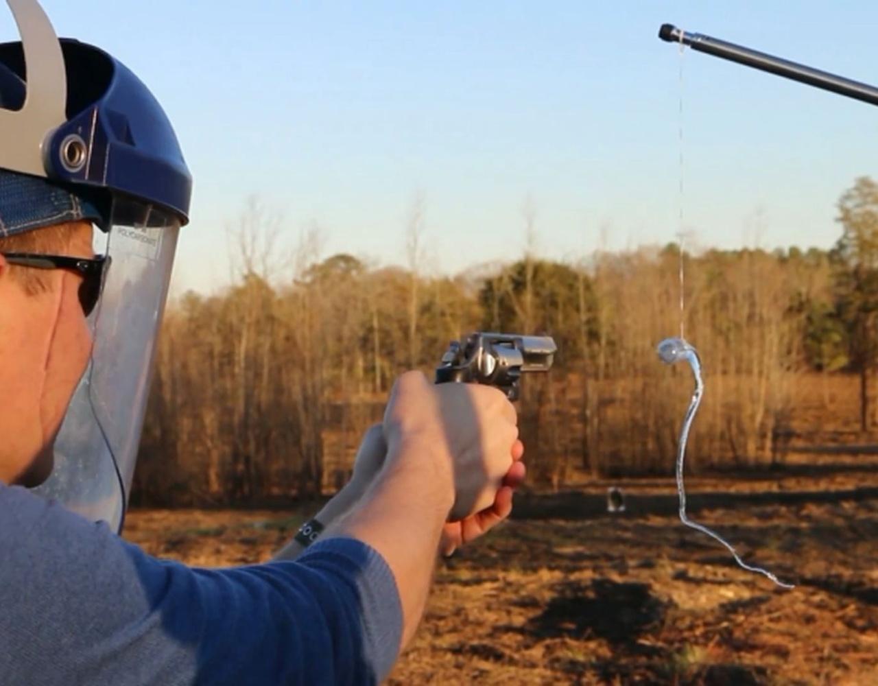 左轮手枪子弹VS鲁珀特之泪 170,000FPS超高速摄影