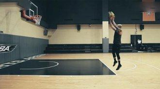 篮球技巧教学 后撤步跳投