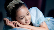 她是新一代国民闺女赵今麦,甜美可爱的她能否超越前辈关贤