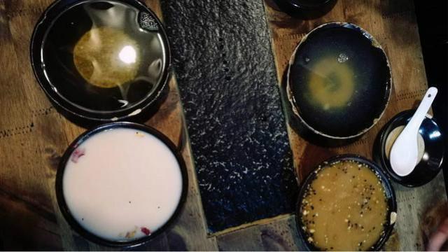 旅行美食:平遥古城品尝奶茶、油茶、苦荞茶(驴友餐厅)