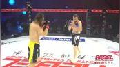 格伦斯帕夫1分30秒砸击tko俄罗斯悍将康斯坦丁,他再次证明了泰拳是最强悍的站立格斗技,泰迪熊果然是..