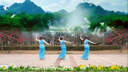 红领巾广场舞《竹楼情思》傣族舞蹈