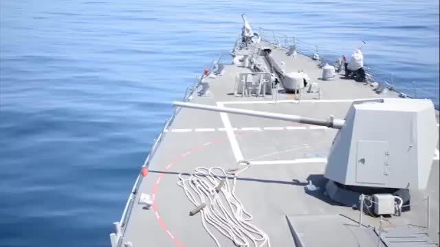 阿利·伯克级导弹驱逐舰舰炮射击实况