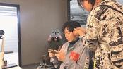 王佑硕时尚芭莎的拍摄vlog,一起来看看后台玩游戏的他吧