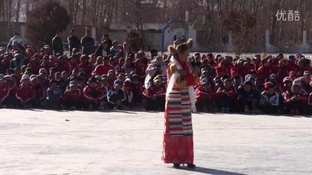 西藏林周中学12·9全校文艺汇演8