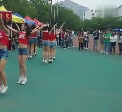 齐鲁工业大学啦啦队