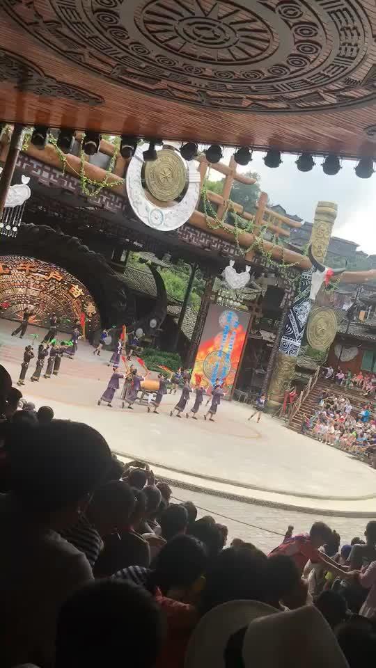 千户苗寨的表演