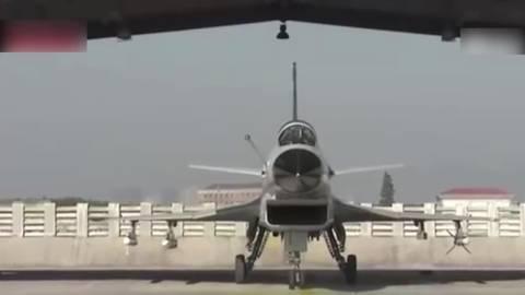 美军声称:中国歼-10东海危险拦截美军机