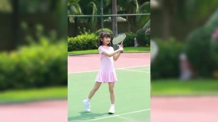 八卦:森碟打网球起胜负欲 小宇宙爆发元气满满