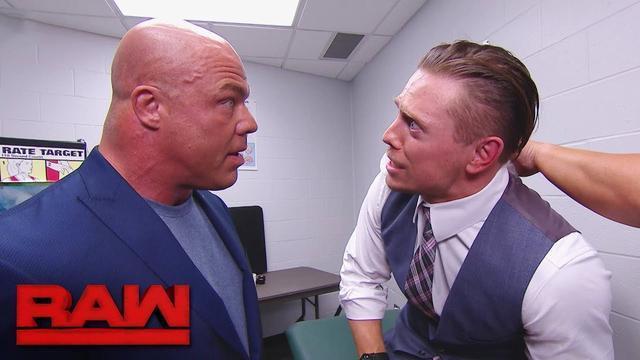 "RAW1272:科特-安格告诫米兹:""活该啊,谁让你老是戳人家"""