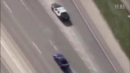 美国警察公路追逐野马跑车!3辆警车勇战野马超猛啊!