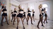 俄罗斯舞蹈老师是这么上课的,每一个动作都风韵十足