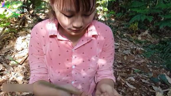 手巧的姑娘人人爱,尤其是能吃苦爱劳动的农村姑娘