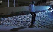 滑板牛人酷热阿曼街头炫技