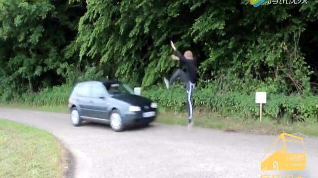 道路安全时时注意,别把生命当成儿戏!看到你摔倒我就放心了
