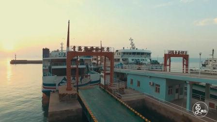 青岛大爷每日驾驶轮渡11次,吃住都在船上,30年从未延误