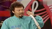 张菲不信陈雷拿的管子能吹出声音,陈雷竟对着管子吼,太好笑了!